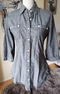 Beautiful Derek Heart button down 3/4 sleeve shirt